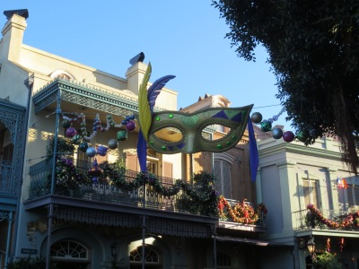 New Orleans Square mask